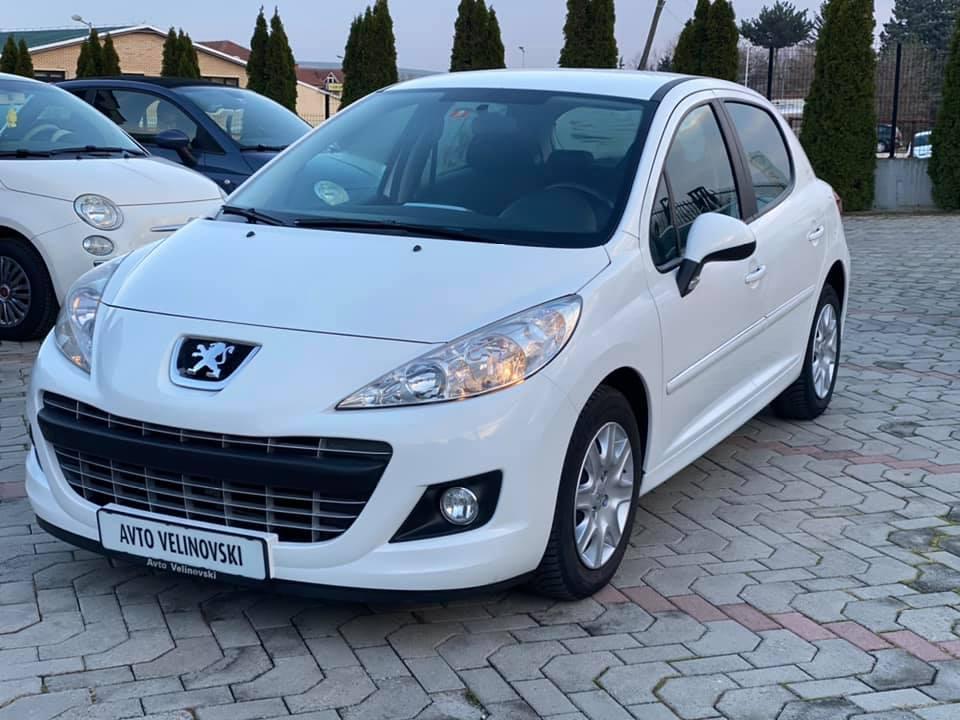 Peugeot 207 FACELIFT 1.4i
